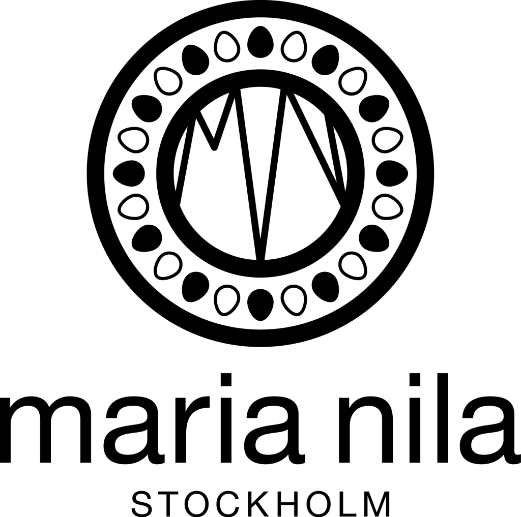 "maria nila stockholm. ""hair lounge eva sobotta"", Klingsorstr. 42, 12167 Berlin, info@hairlounge-sobotta.de. Weitere Informationen unter: https://hairlounge-sobotta.de/produkte/maria-nila/"